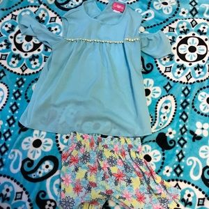 Other - Cold shoulder top with matching shorts